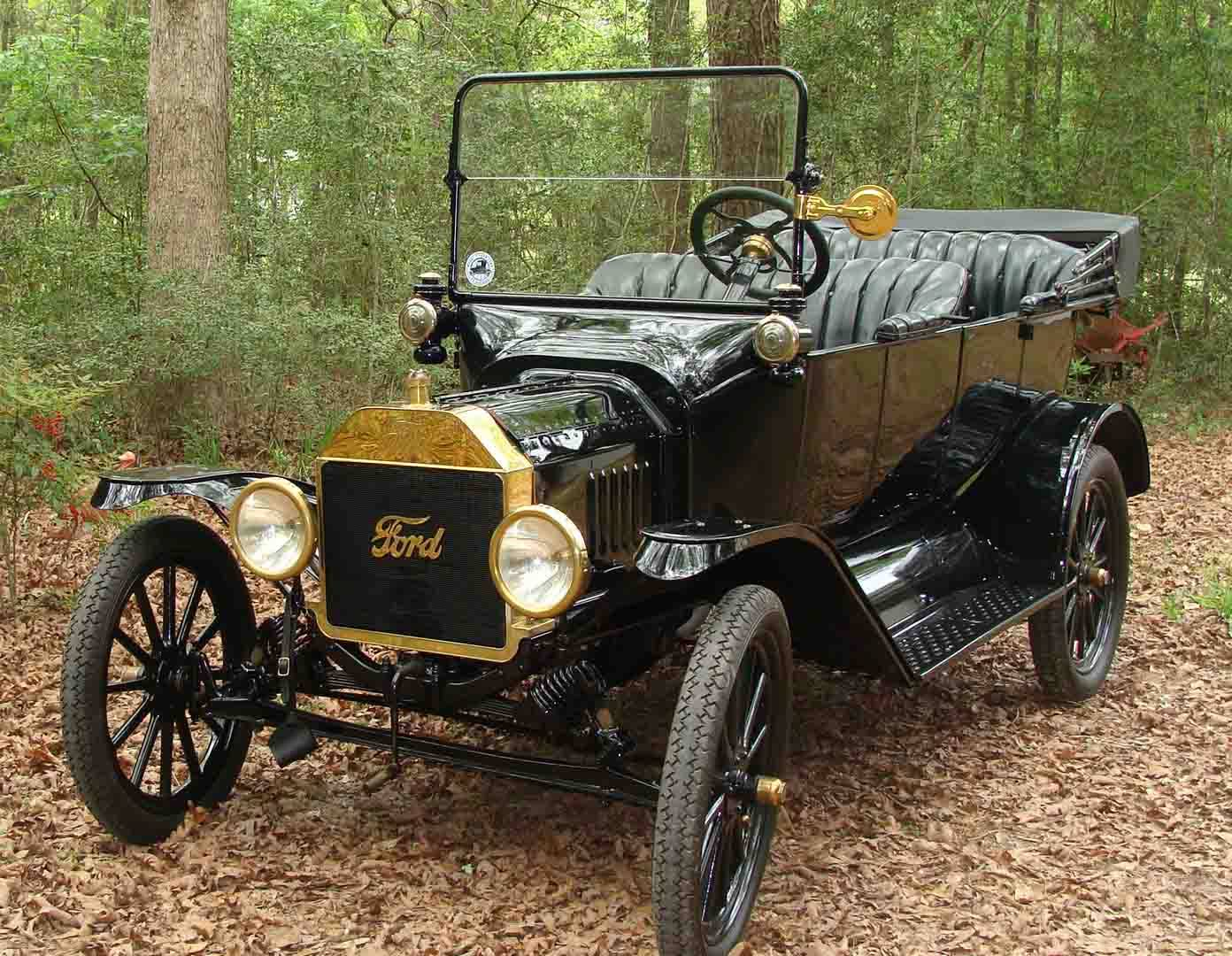 Early 1916 Ford Model T