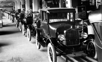 1926-ford-model-t-assembly-line-photo-338182-s-1280x782