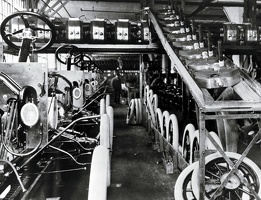 model-t-production-at-fords-highland-park-plant-in-1913-the-site-was-a-template-for-ford-production-around-the-world